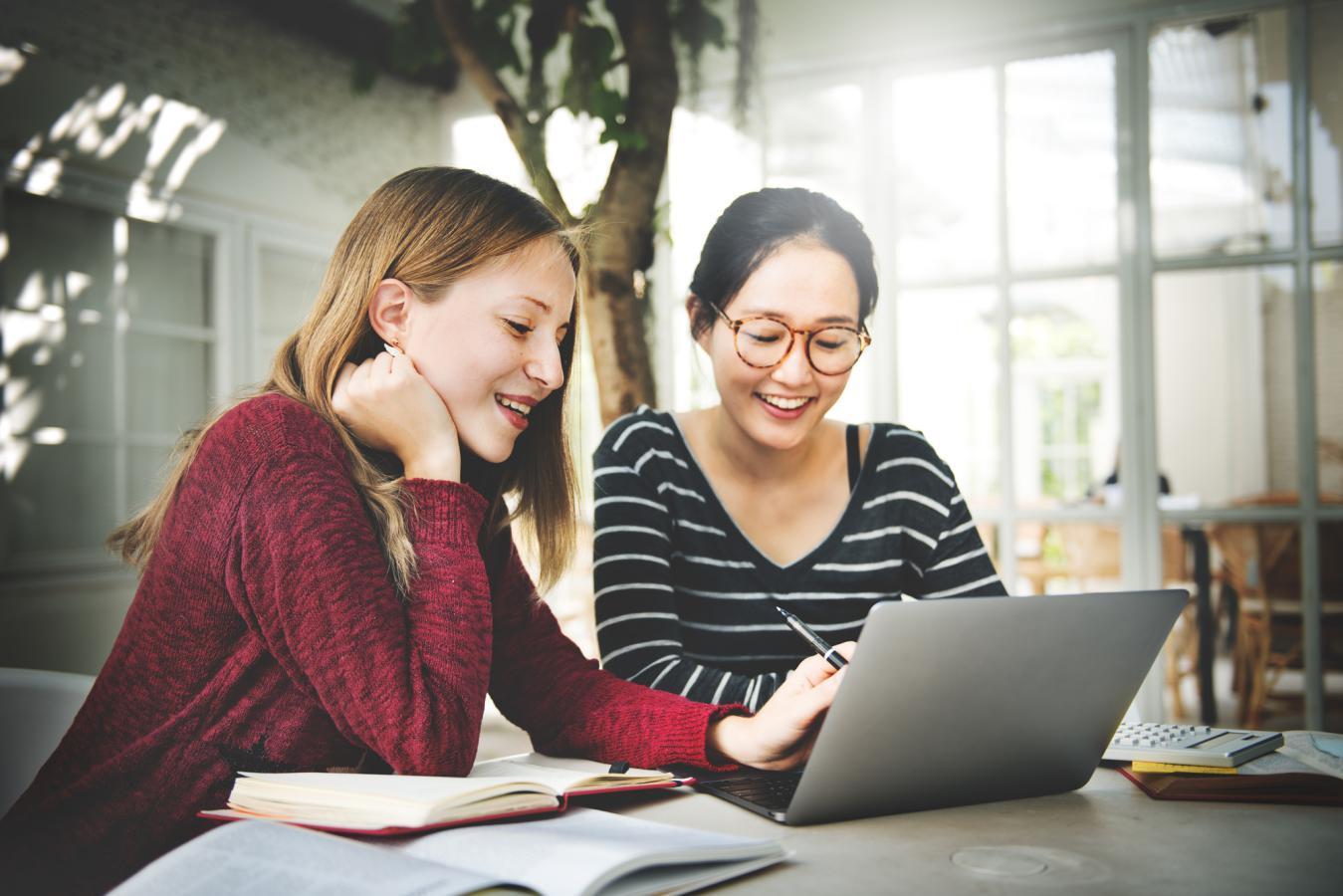 人気のシェアリングエコノミーの影にはつねに女性あり 注目サービス20選で見えてくる傾向と対策